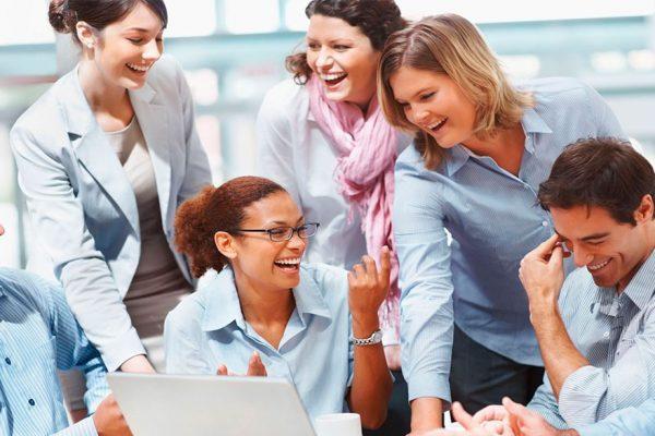 ¿Qué clase de amigos le convienen en el trabajo?