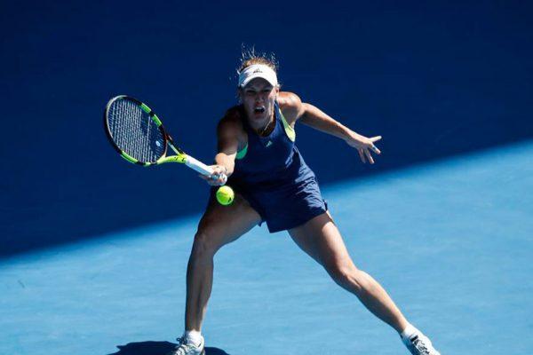 Caroline Wozniacki bate a Simona Halep y gana el Abierto de Australia