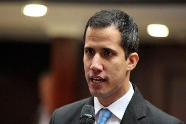 España y la UE se dan un mes de plazo para definir su relación con Guaidó