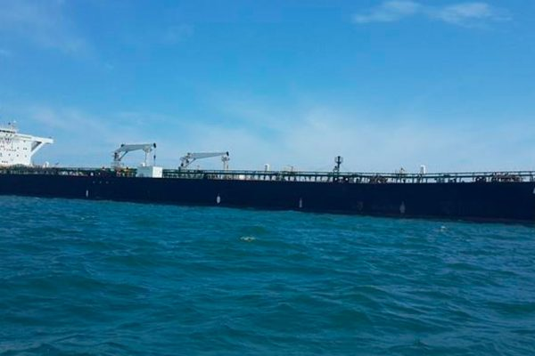 Pdvsa logra liberar buque petrolero retenido en Curazao