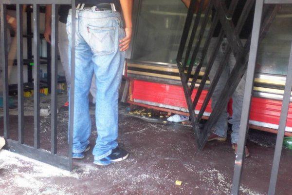 Se registraron protestas y asaltos contra comercios en Caicara del Orinoco