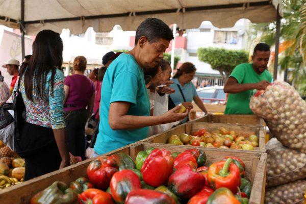 Cenda: salario mínimo solo cubrió 0,8% de la cesta alimentaria en julio