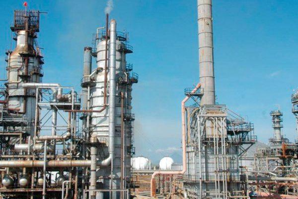 Pdvsa reactiva unidad destiladora de refinería de Amuay