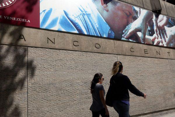 BCV eleva encaje legal de la banca pública y privada a 100%