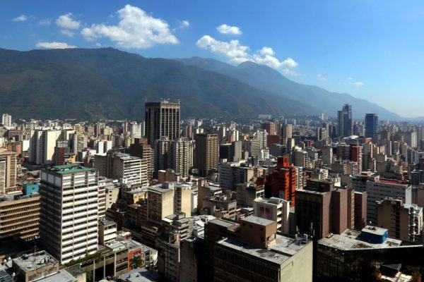 Aprueban 10 billones para el mantenimiento y alumbrado de Caracas
