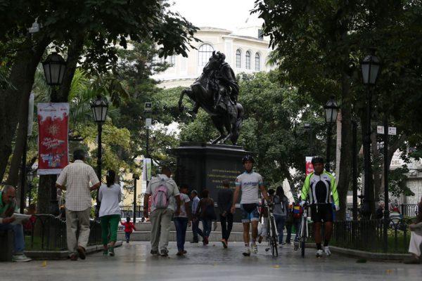 Entra en vigencia reforma de ordenanzas sobre actividades económicas e inmuebles en Caracas
