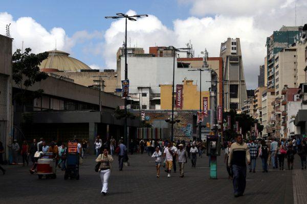 Paro opositor contra medidas de Maduro se cumple parcialmente