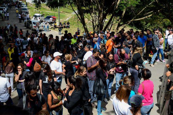 Focos de protesta en Caracas por muerte de Óscar Pérez