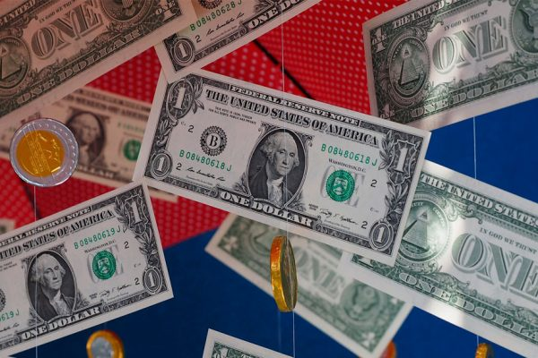 Valor del dólar paralelo abre 2020 a la baja y se ubica sobre los Bs.54.000