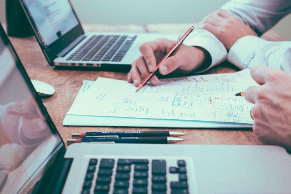 Perspectivas 2021 | 58% de empresas adoptarán el trabajo remoto y 40% reducirá espacios en oficinas