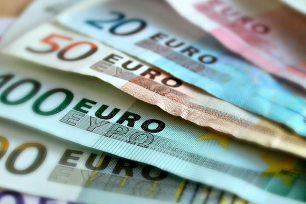 BCV vende euros en efectivo a los bancos a Bs 6.381,38