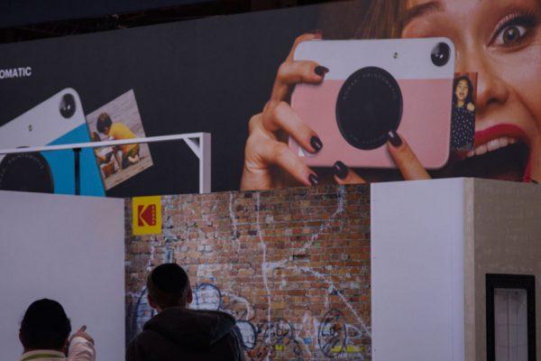 Acción de Kodak se desploma 40% por suspensión de acuerdo para producir fármacos