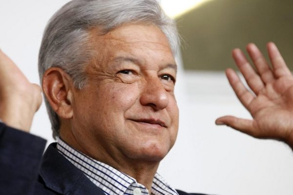 López Obrador encabeza encuestas presidenciales de México
