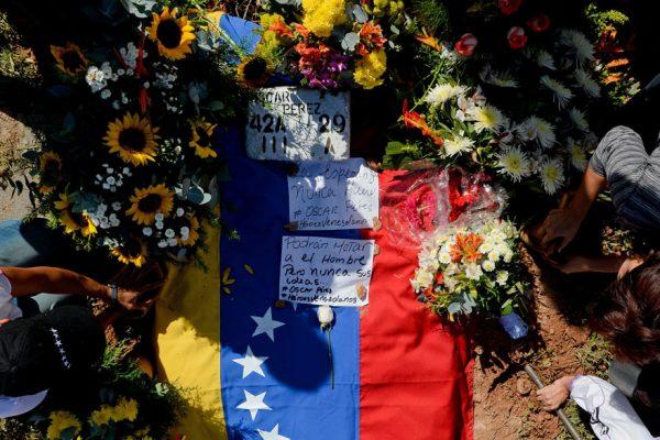 Óscar Pérez enterrado en Caracas sin aval de familiares
