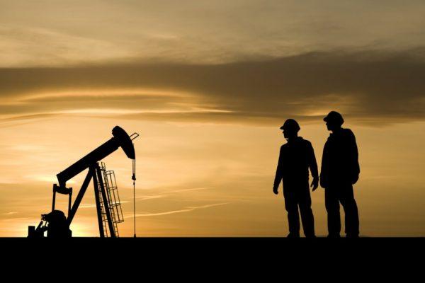 Petróleo para entrega en junio sube 19% al cerrar a USD 13,78 en Nueva York