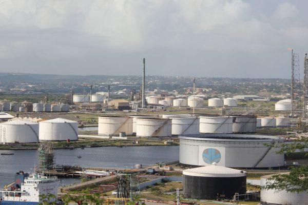 Curacao escogió a sustituto de Pdvsa para operar refinería Isla