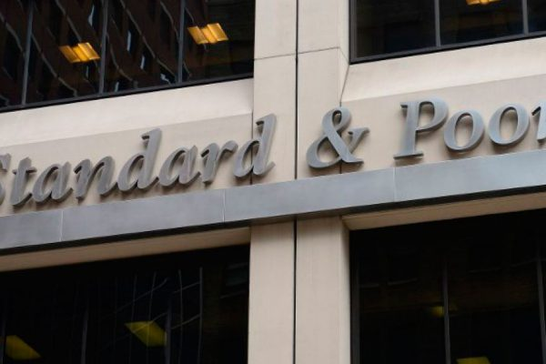 S&P y Moody's rebajan la nota de la deuda de Turquía