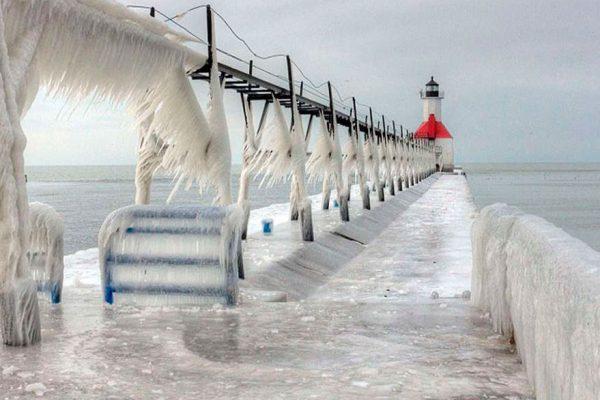 Peligrosa ola de frío cae sobre este de Estados Unidos tras paso de tormenta
