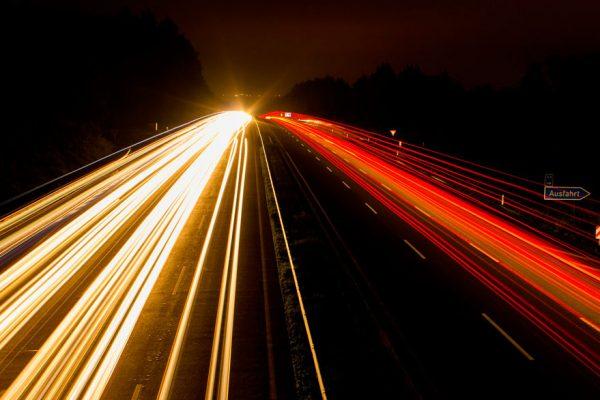 Las criptomonedas con mayor velocidad para procesar transacciones