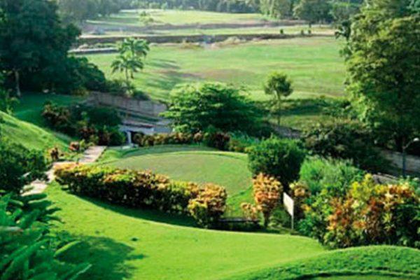 Cámara Inmobiliaria: Gobierno viola derecho de propiedad con toma de canchas de golf del Club Caraballeda