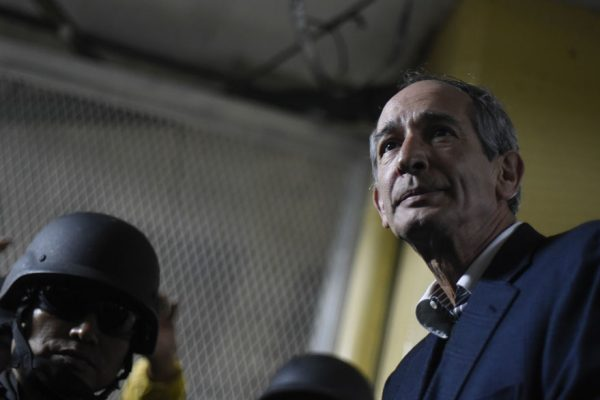 Detenido el ex presidente guatemalteco Colom por corrupción