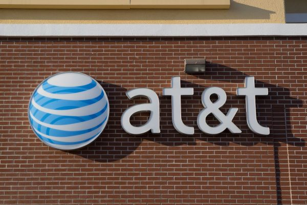 AT&T estudia OPI de su participación en DirecTV Latinoamérica