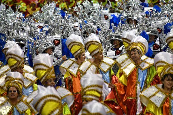 FOTOS | El carnaval de Rio brilla con las escuelas de samba