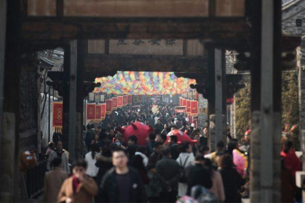 China entra en el año del Perro sin petardos ni fuegos artificiales