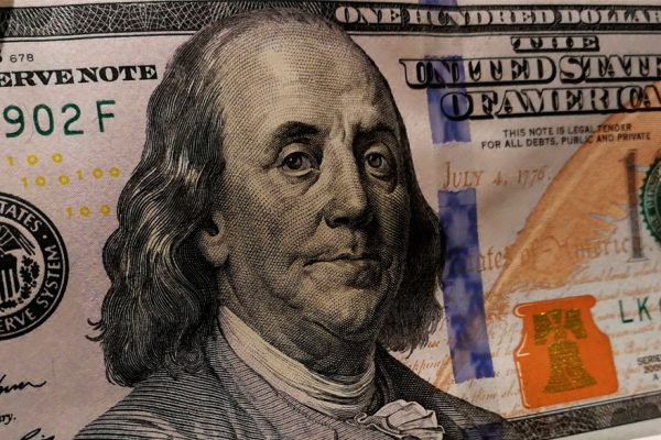 Precio del dólar paralelo marca tendencia al alza este lunes y se sitúa sobre los Bs.45.000