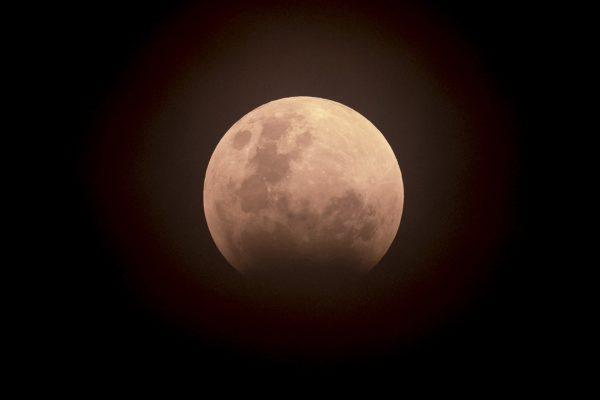 EEUU y China miran juntos a la Luna