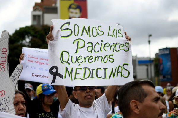 Pacientes crónicos claman por medicinas