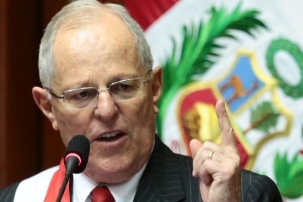 Incertidumbre política en Perú reduce expectativas de crecimiento económico