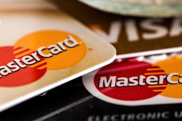 BCV fijó tasas de interés de 17% y 29% para tarjetas de crédito