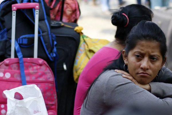 La odisea de los venezolanos que esperan remesas en Cúcuta
