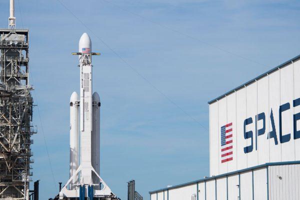Cinco cosas claves sobre los proyectos espaciales de Elon Musk