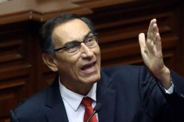 Vizcarra anuncia referéndum para eliminar inmunidad de congresistas de Perú