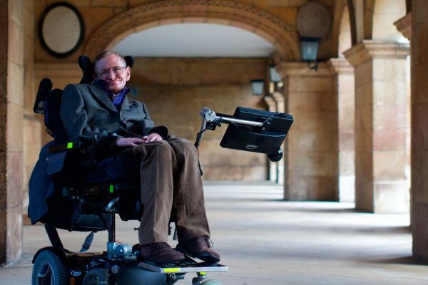 Subasta de objetos de Stephen Hawking logra suma astronómica