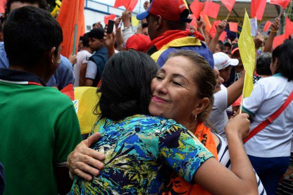 Colombianos y venezolanos se dieron un «abrazatón» por la paz