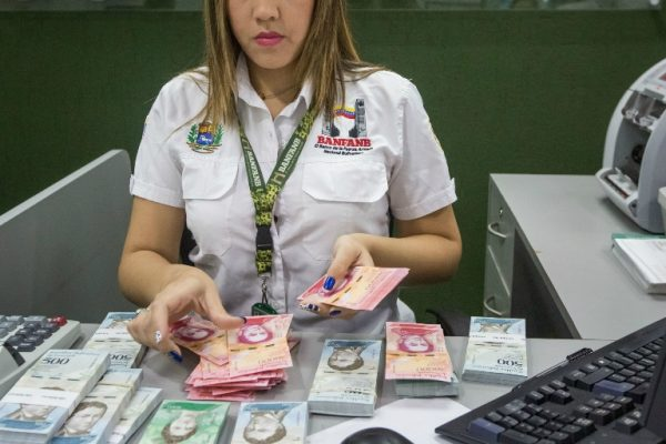 Mastercard desconectó definitivamente tarjetas de Banfanb y solo funcionan en puntos de Credicard