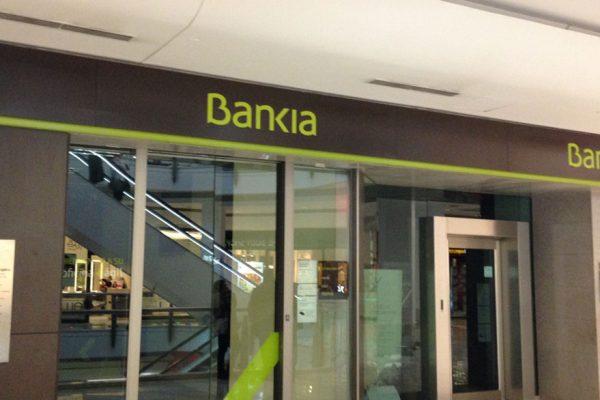Beneficio de Bankia bajó 10% a 205 millones de euros en el primer trimestre