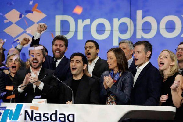 Dropbox debuta con éxito en el mercado bursátil