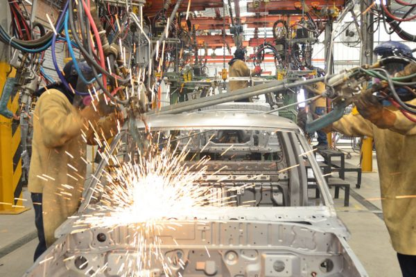 Informe especial | ¿Industria automotriz a punto de desaparecer?