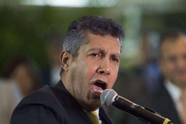 Henri Falcón calificó de «bochornosa» elección de nueva directiva parlamentaria