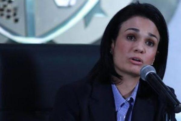 Canciller panameña recibió a diputados de la AN