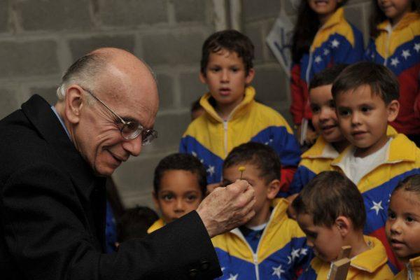 Murió el maestro José Antonio Abreu
