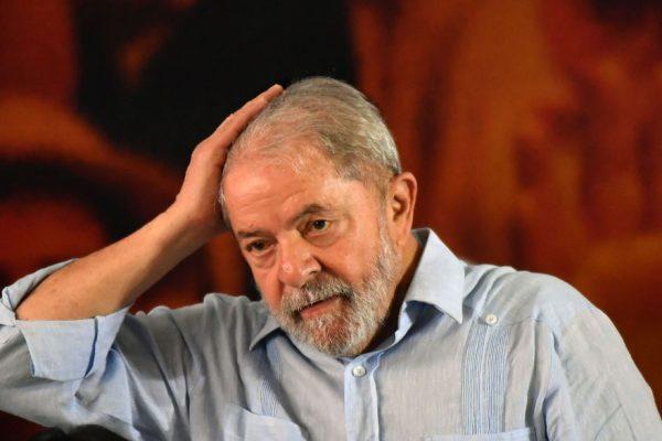 Justicia brasileña ordena trasladar a Lula a cárcel de Sao Paulo