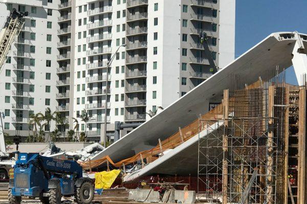 Colapso de puente peatonal en Miami deja al menos seis muertos