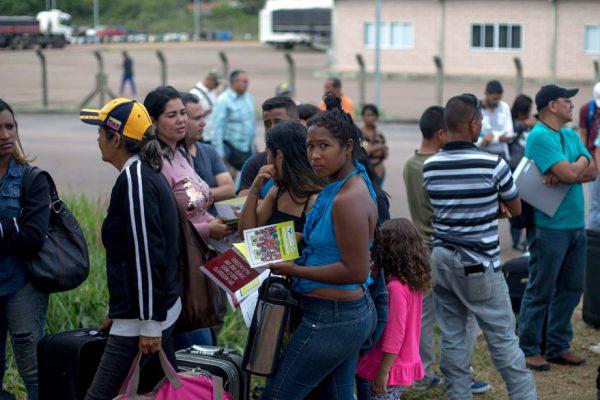Disminuye flujo de venezolanos a Brasil por tensión en la frontera