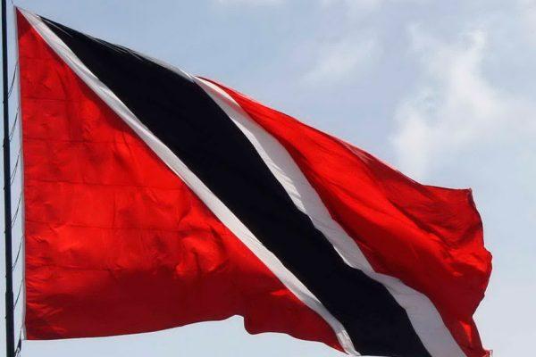 Aparecen en un caño del Orinoco 16 niños y 13 adultos expulsados de Trinidad y Tobago