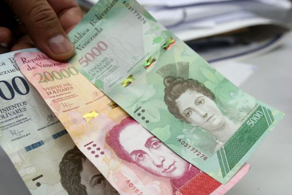 Circulación de billetes de Bs 20.000 y Bs 100.000 dio un salto en abril